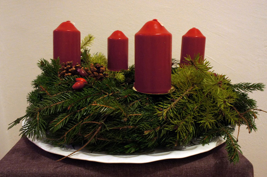 How To: So bindest du einen Adventskranz
