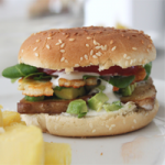 Avocado Halloumi Burger | orangenmond.at