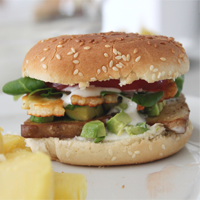 Avocado Halloumi Burger | orangenmond.at