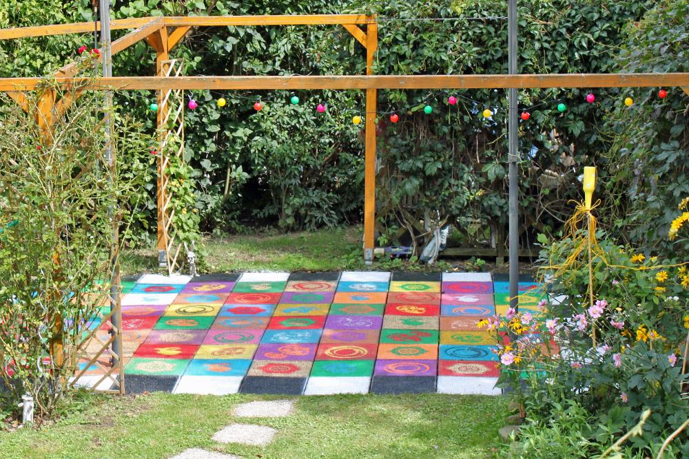 DiY: farbenfrohes Terrassen-Makeover