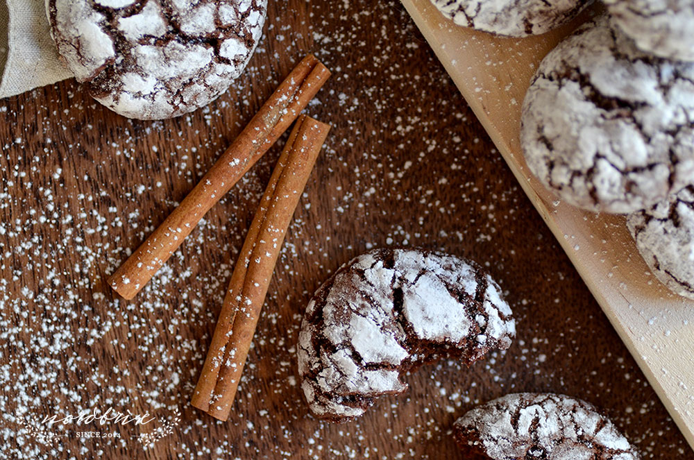 24 Days of Cookies - Day 5: Christmas Chocolate Crinkle Cookies