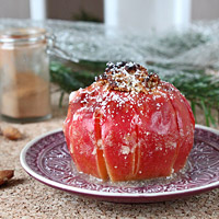 Bratapfel mit Nussfülle / Baked Apple with Nut Stuffing | orangenmond.at