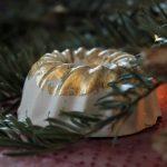 DiY Blattgold Gugelhupf aus Beton / DiY plaster bundt cake with gold leaf | orangenmond.at