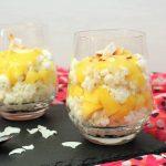 Kokosmilchreis mit Mangopüree im Glas / Coconut Rice Pudding with Mango | orangenmond.at