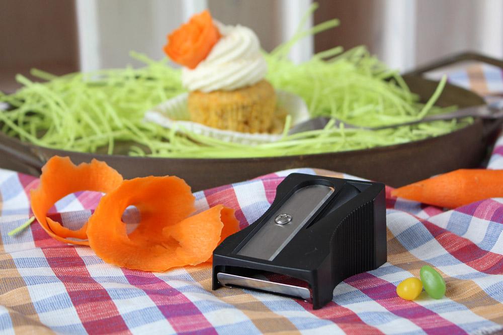 Karotten Cupcakes mit Zitronen-Mascarpone-Topping / Carrot Cupcakes with Lemon-Mascarpone-Topping   orangenmond.at