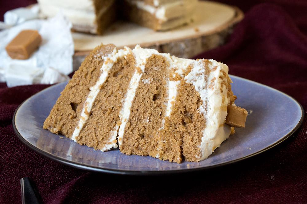 Pumpkin Spice Torte mit Toffeesahne